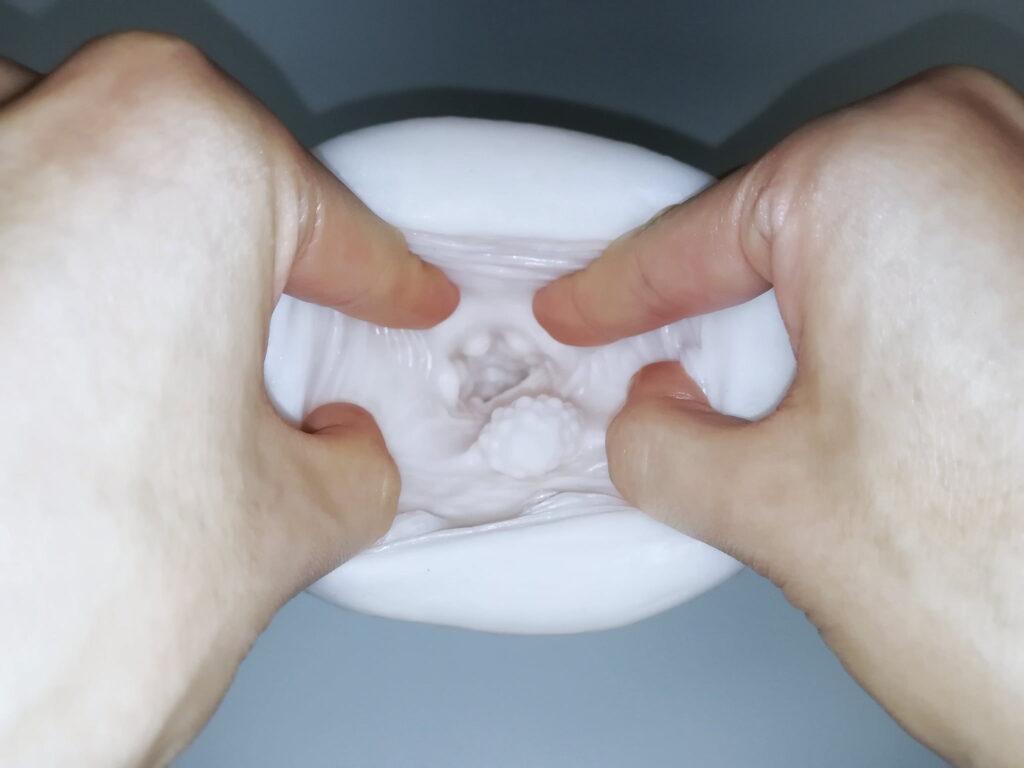 ふわフェラディープイラマチオをクパッと開いた画像